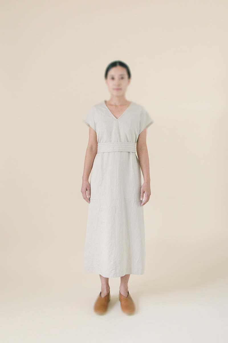 Cotton-linen kantoi dress. Made from cross woven twill fabric composed of  supima cotton and french linen. Fine yarns provide natural luster. 338f6d9b0d114